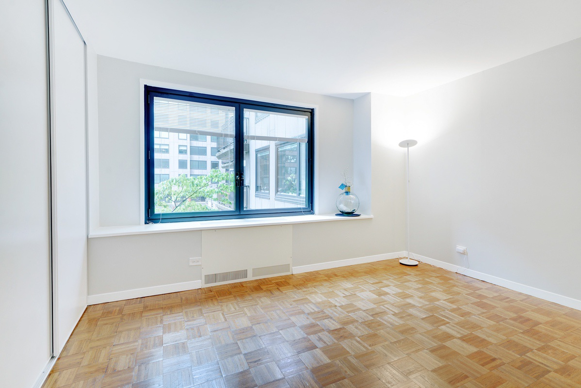 Upper West Side FSBO Condo Listed FSBO with Hauseit